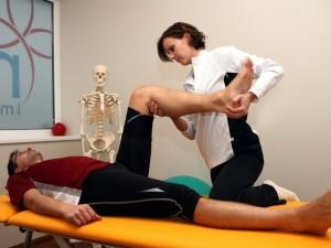 Mann bei medizinischer Massage