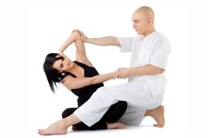 Frau bei einer thailaendichen Massage